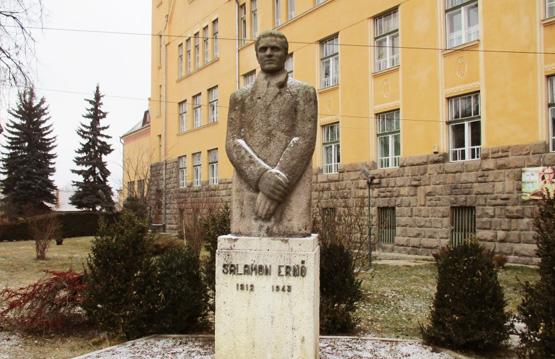 Salamon Erno szobor